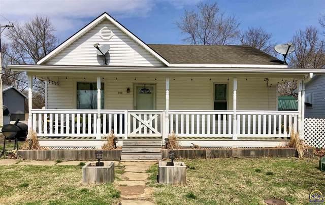 309 E Bridge St, Perry, KS 66073 (MLS #217609) :: Stone & Story Real Estate Group