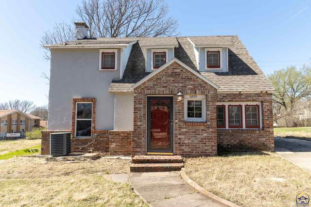 2825 SE Maryland Ave, Topeka, KS 66605 (MLS #217646) :: Stone & Story Real Estate Group