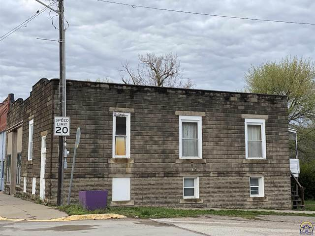 110 S Union St, McLouth, KS 66054 (MLS #217873) :: Stone & Story Real Estate Group