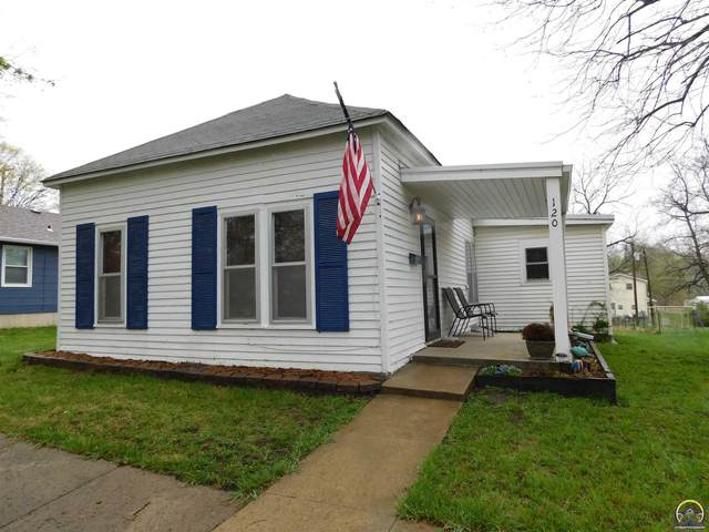 120 Pennsylvania Ave, Holton, KS 66436 (MLS #217877) :: Stone & Story Real Estate Group