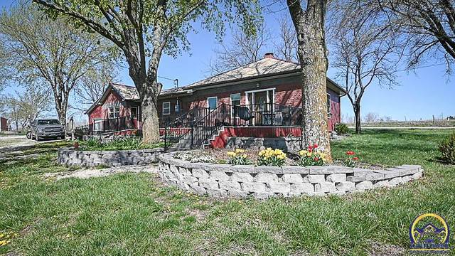 3025 NW 78th St, Topeka, KS 66618 (MLS #217883) :: Stone & Story Real Estate Group