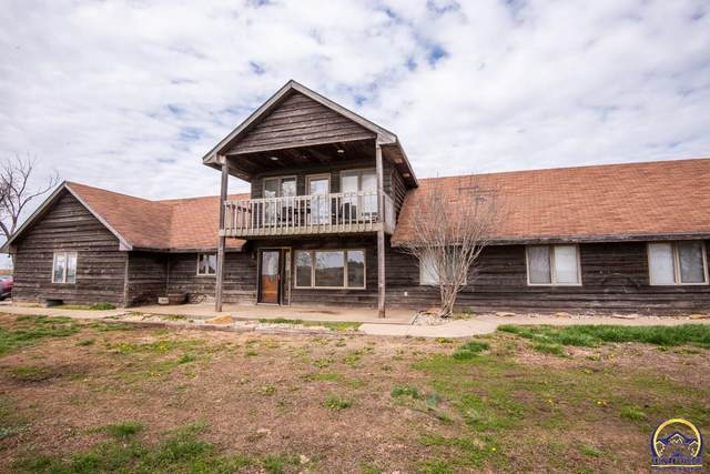 8646 NW 66th St, Silver Lake, KS 66539 (MLS #217935) :: Stone & Story Real Estate Group