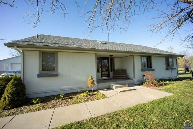 1626 NE 39th St, Topeka, KS 66617 (MLS #217940) :: Stone & Story Real Estate Group