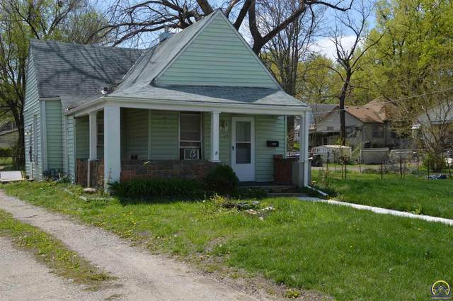 1829 SW 3rd St, Topeka, KS 66606 (MLS #218036) :: Stone & Story Real Estate Group