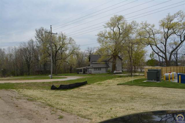 13299 162nd Rd, Mayetta, KS 66509 (MLS #218123) :: Stone & Story Real Estate Group
