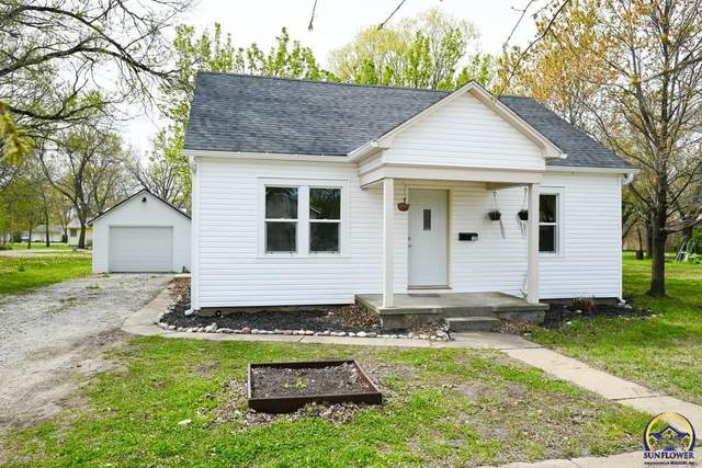 123 Market St, Osage City, KS 66523 (MLS #218257) :: Stone & Story Real Estate Group