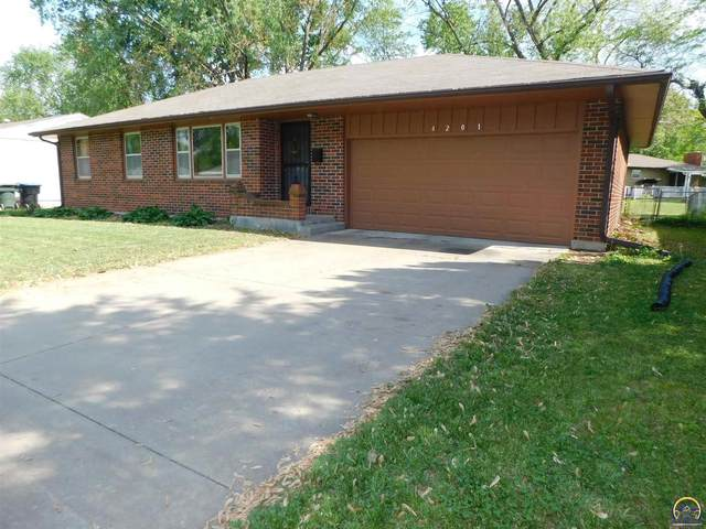 4201 SW 34th St, Topeka, KS 66614 (MLS #218298) :: Stone & Story Real Estate Group