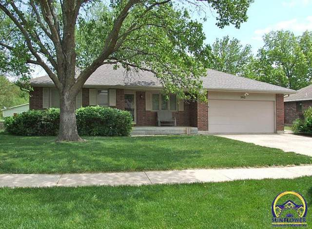 3912 SW Colly Creek Dr, Topeka, KS 66610 (MLS #218317) :: Stone & Story Real Estate Group
