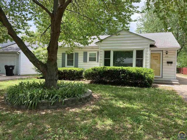 1919 SW Moundview Dr, Topeka, KS 66604 (MLS #218323) :: Stone & Story Real Estate Group