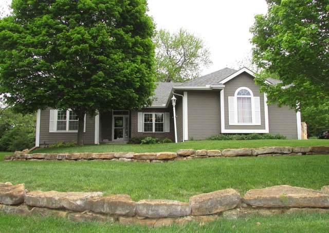 3436 NW Hickory Ridge Ln, Topeka, KS 66617 (MLS #218507) :: Stone & Story Real Estate Group