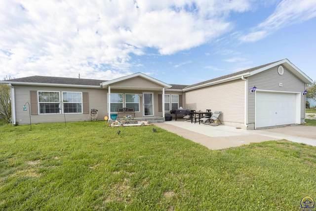213 SE 44th Pkwy, Topeka, KS 66609 (MLS #218510) :: Stone & Story Real Estate Group