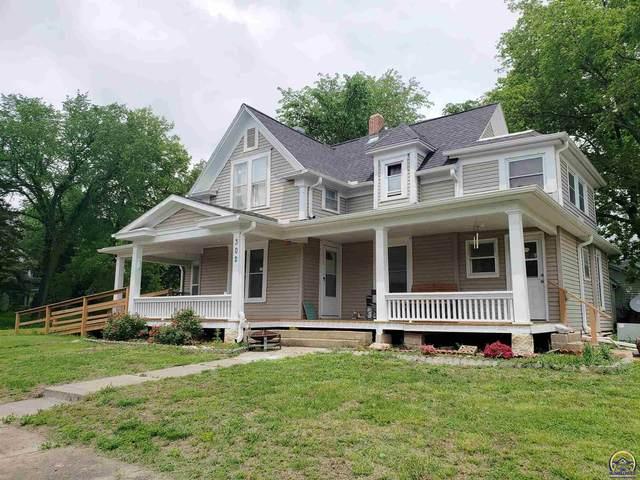 302 E 2nd Ave, Eskridge, KS 66423 (MLS #218593) :: Stone & Story Real Estate Group