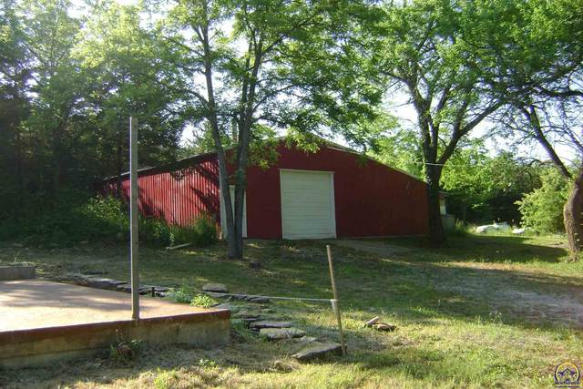 5066 Saratoga Dr, McLouth, KS 66054 (MLS #218972) :: Stone & Story Real Estate Group