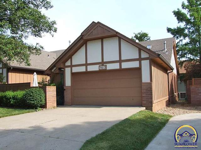 5612 SW Hawick Ln, Topeka, KS 66614 (MLS #219131) :: Stone & Story Real Estate Group