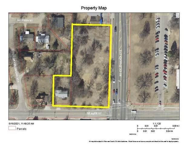 2425 SE California Ave, Topeka, KS 66605 (MLS #219247) :: Stone & Story Real Estate Group