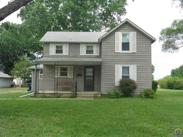 127 N 1st Ave, Osage City, KS 66523 (MLS #219388) :: Stone & Story Real Estate Group