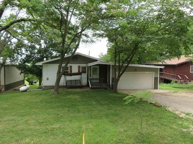 8611 Longview Dr, Ozawkie, KS 66070 (MLS #219498) :: Stone & Story Real Estate Group