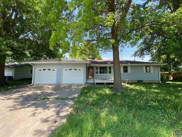 216 Ross Ct, Rossville, KS 66533 (MLS #219584) :: Stone & Story Real Estate Group