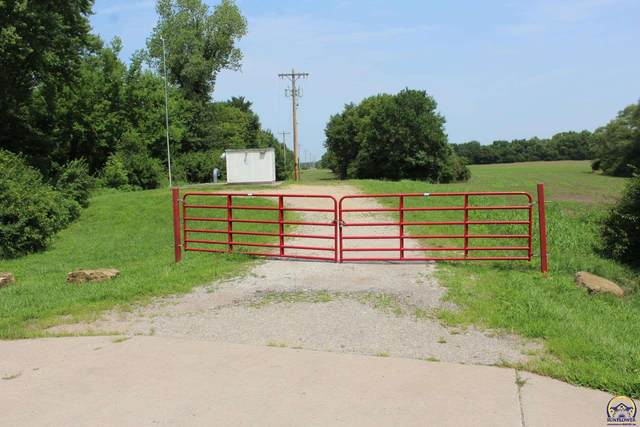2222 NW 35th St, Topeka, KS 66618 (MLS #219693) :: Stone & Story Real Estate Group