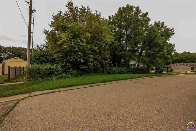 Lot #1 NW Dawdy Ct, Topeka, KS 66618 (MLS #219699) :: Stone & Story Real Estate Group