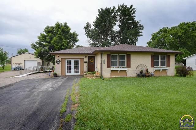 1433 E St, Osage City, KS 66523 (MLS #219733) :: Stone & Story Real Estate Group