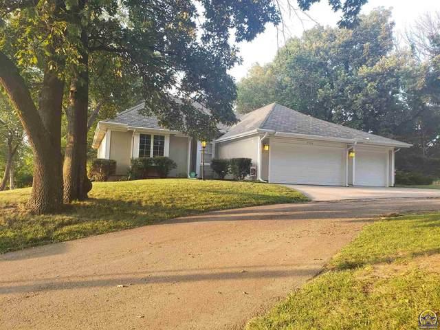 3330 SW Wanamaker Rd, Topeka, KS 66614 (MLS #219905) :: Stone & Story Real Estate Group