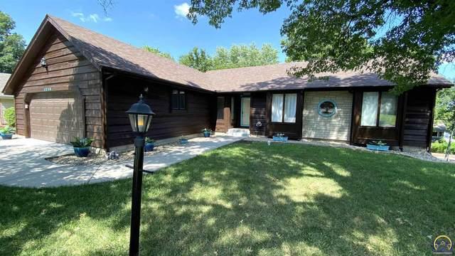 2218 SW Alameda Ct, Topeka, KS 66614 (MLS #219919) :: Stone & Story Real Estate Group