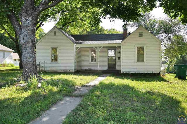100 Iowa Ave, Holton, KS 66436 (MLS #219937) :: Stone & Story Real Estate Group