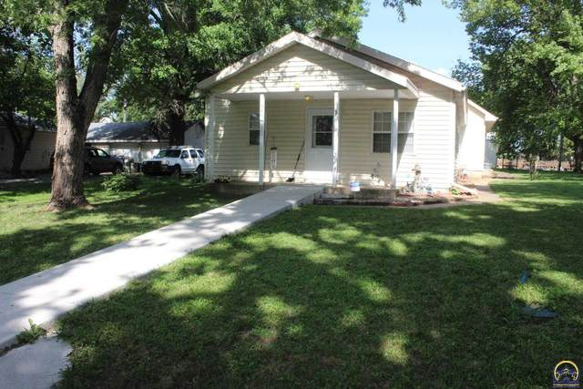 606 Walnut St, Overbrook, KS 66524 (MLS #219960) :: Stone & Story Real Estate Group
