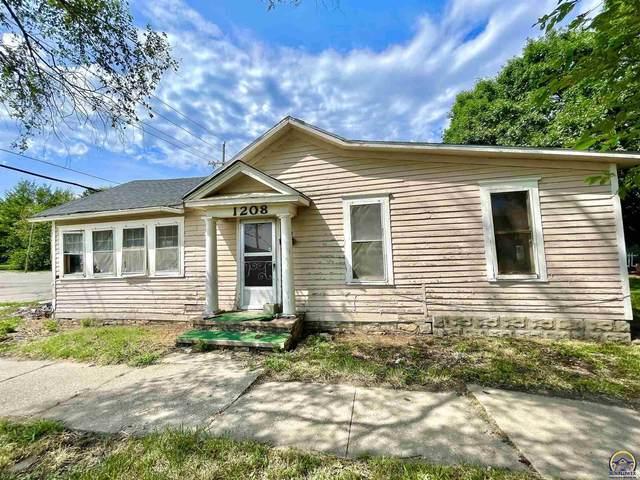 1208 SW Munson Ave, Topeka, KS 66604 (MLS #220161) :: Stone & Story Real Estate Group
