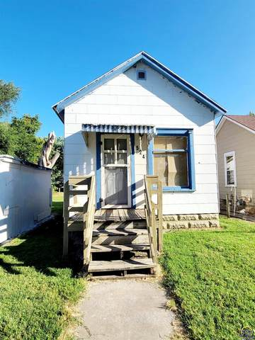 524 NE Sardou Ave, Topeka, KS 66608 (MLS #220817) :: Stone & Story Real Estate Group