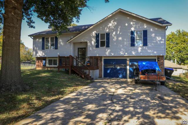 6544 SW 26th Ct, Topeka, KS 66614 (MLS #221244) :: Stone & Story Real Estate Group