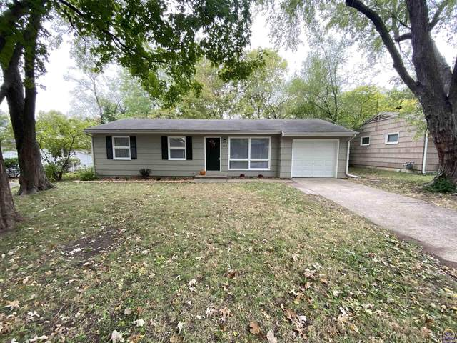2015 Clifton Ct, Lawrence, KS 66046 (MLS #221376) :: Stone & Story Real Estate Group