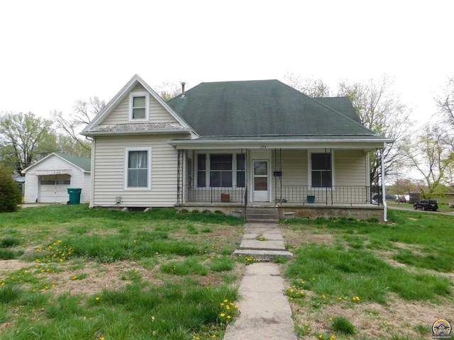 124 New Jersey Ave, Holton, KS 66436 (MLS #217851) :: Stone & Story Real Estate Group