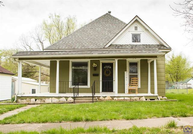815 Ohio Ave, Holton, KS 66436 (MLS #217895) :: Stone & Story Real Estate Group