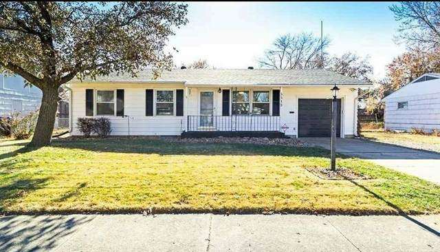 5513 SW 27th St, Topeka, KS 66614 (MLS #218524) :: Stone & Story Real Estate Group