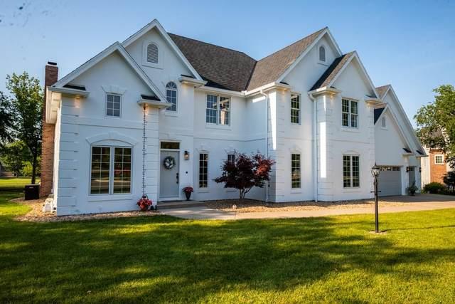 3701 SW Ashworth Ct, Topeka, KS 66610 (MLS #219134) :: Stone & Story Real Estate Group