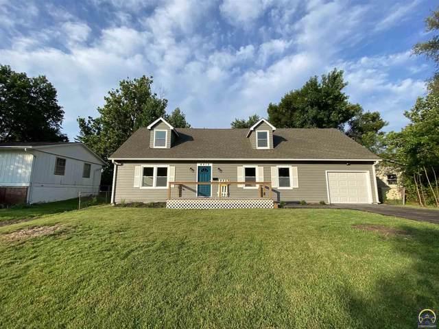 4413 SW Twilight Dr, Topeka, KS 66614 (MLS #219526) :: Stone & Story Real Estate Group