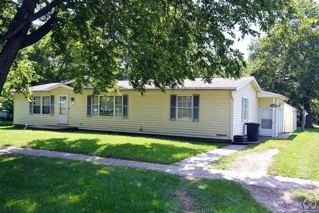 412 Washington St, Lyndon, KS 66451 (MLS #219934) :: Stone & Story Real Estate Group