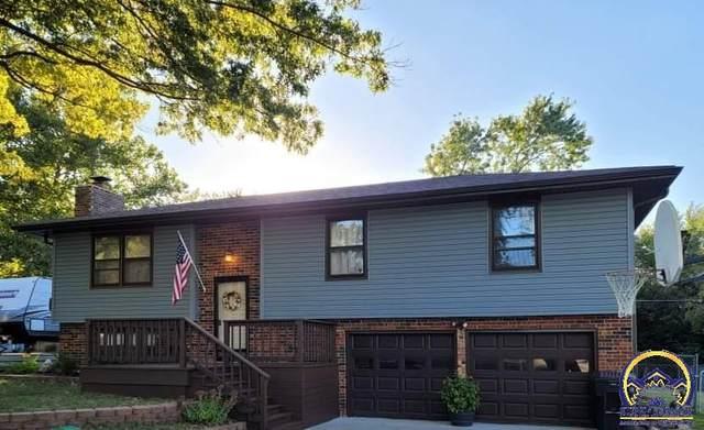 3309 SE Eveningtide Way, Topeka, KS 66605 (MLS #221383) :: Stone & Story Real Estate Group