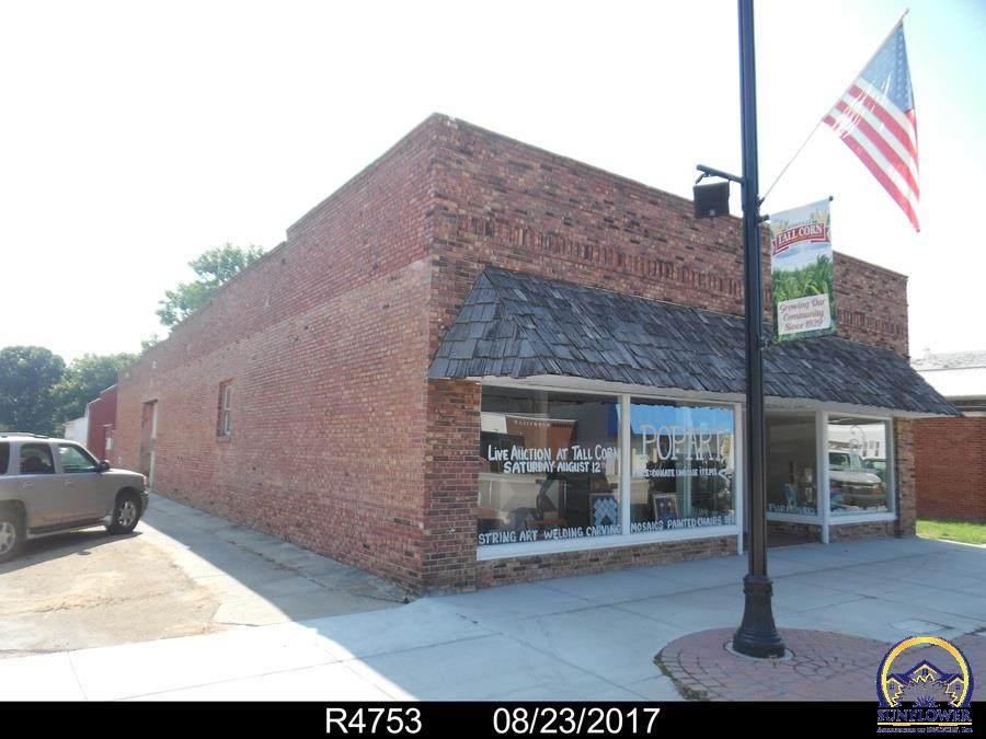 402 Main St - Photo 1