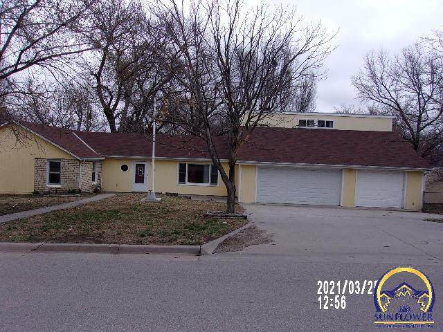 725 S Webster St, Junction City, KS 66441 (MLS #217647) :: Stone & Story Real Estate Group