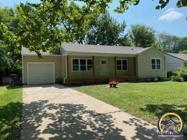 1420 SW Burnett Rd, Topeka, KS 66604 (MLS #219920) :: Stone & Story Real Estate Group