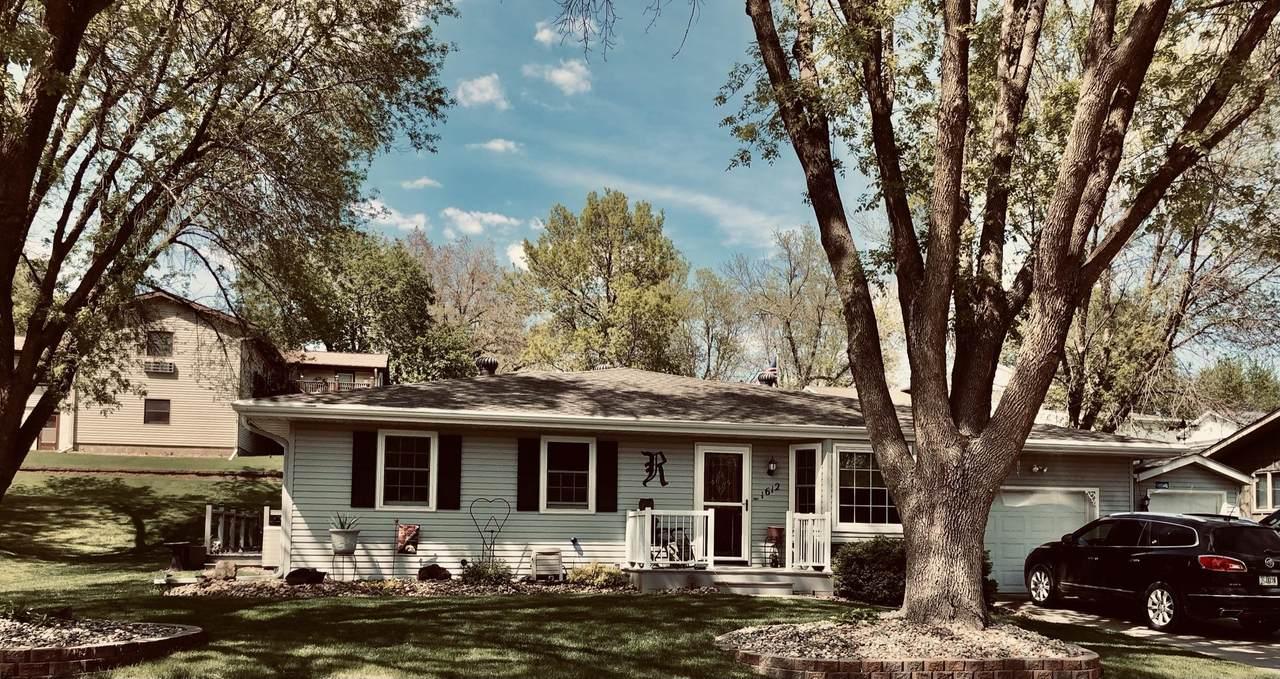 1612 Cheyenne Avenue - Photo 1