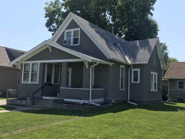 302 S 21ST Street, COUNCIL BLUFFS, IA 51501 (MLS #19-1620) :: Stuart & Associates Real Estate Group