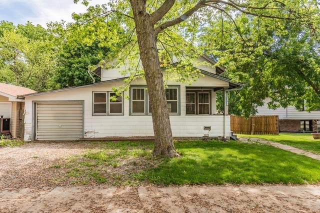 611 N Walnut Street, GLENWOOD, IA 51534 (MLS #21-1017) :: Berkshire Hathaway Ambassador Real Estate