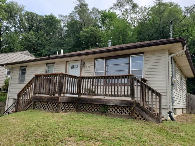 2229 Walton Avenue, COUNCIL BLUFFS, IA 51503 (MLS #21-1495) :: Berkshire Hathaway Ambassador Real Estate