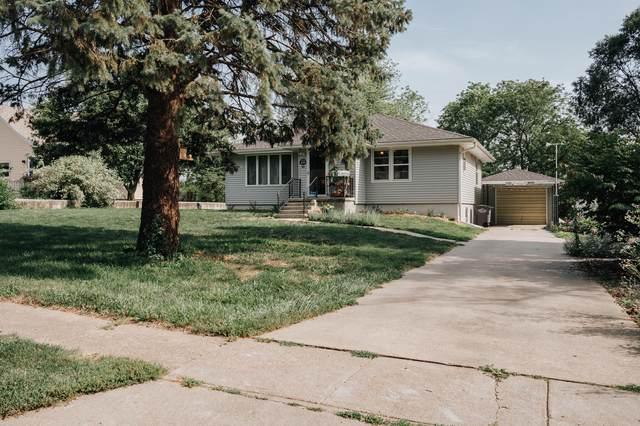 829 Palmer Street, OAKLAND, IA 51560 (MLS #21-1499) :: Berkshire Hathaway Ambassador Real Estate