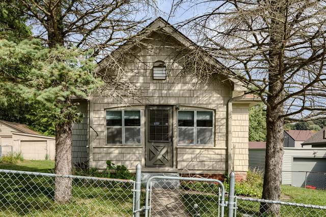 22 W Orchard Avenue, COUNCIL BLUFFS, IA 51503 (MLS #21-1931) :: Berkshire Hathaway Ambassador Real Estate