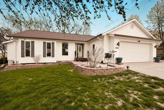 1417 Golden Hills Drive, CRESCENT, IA 51526 (MLS #21-611) :: Berkshire Hathaway Ambassador Real Estate